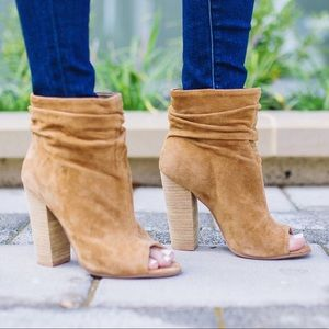 CHINESE LAUNDRY TAN BOOTIE